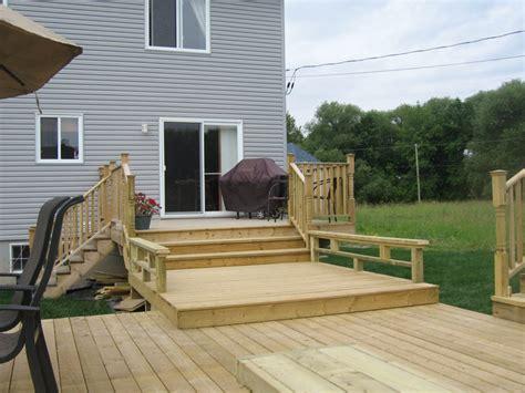 idee de patio en bois patios et terrasses les constructions p binette