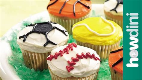 cupcake themes cupcake decorating ideas sports theme decorated cupcakes youtube