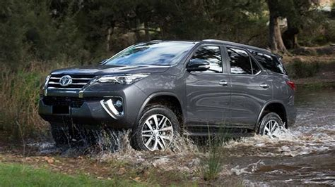 toyota fortuner facelift engine specs  fuel