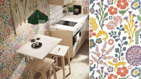 papier peint vinyle intissé cuisine faut il oser le papier peint dans la cuisine
