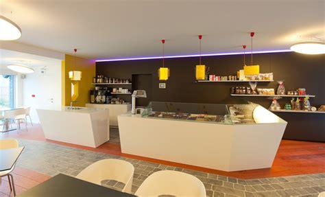 moderne cafe inrichting chocolaterie inrichting door kove interieurarchitecten