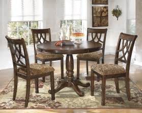 casual dining room sets buy leahlyn casual dining room set by signature design from mmfurniture com