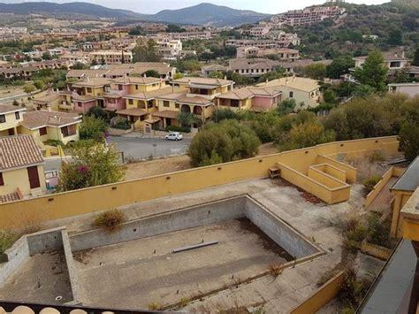 albergo con piscina in asta 3184 albergo con piscina in corso di costruzione
