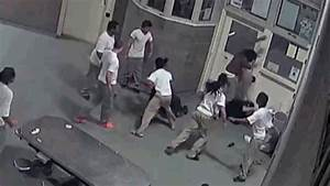 Footage Shows 3 Inmates Brutally Beating Jail Guards ...