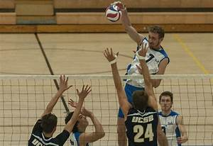 Men's volleyball makes quick work of UCSB in straight sets ...