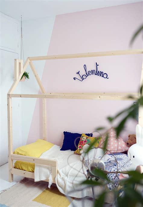 d oration pour chambre un lit cabane dans une chambre d 39 enfant blueberry home