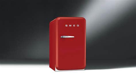 Smeg Mini Kühlschrank by Smeg Rojo