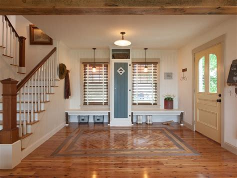 Foyer In by Foyer Pictures From Cabin 2012 Diy Network