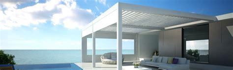 pergola a lame orientable pas cher pergola a lame orientable pas cher stunning pergola ombra avec lames orientables ct et toit en