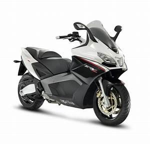 Scooter Aprilia 850 : aprilia srv 850 scooter ~ Medecine-chirurgie-esthetiques.com Avis de Voitures