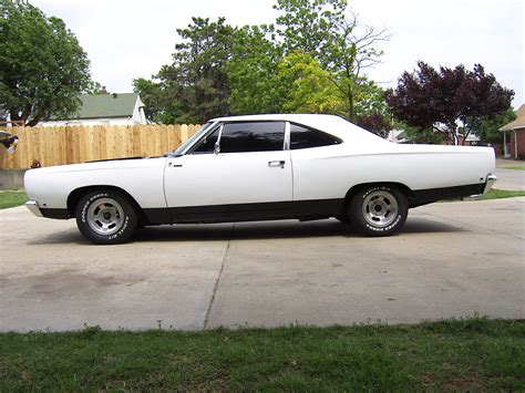 plymouth road runner classic automobiles