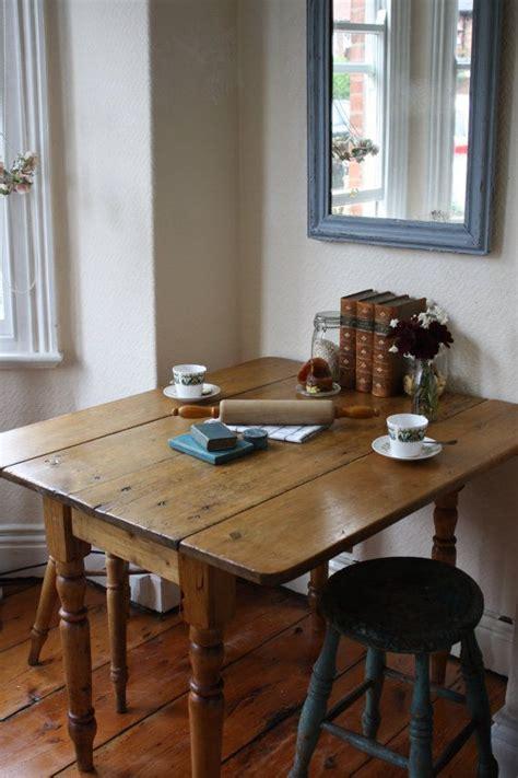 beautiful vintage pine drop leaf table  turned legs