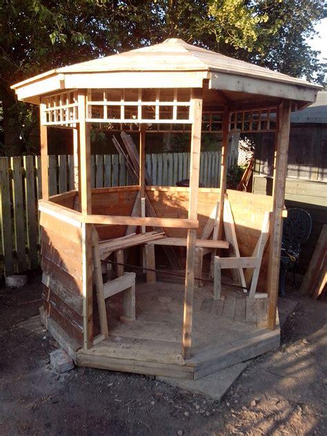 building gazebo  scrap wood  pallets diy yard