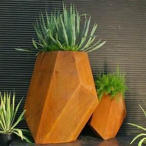 Grand Pot Plante : utiliser la peinture effet rouill pour sublimer son jardin ~ Premium-room.com Idées de Décoration