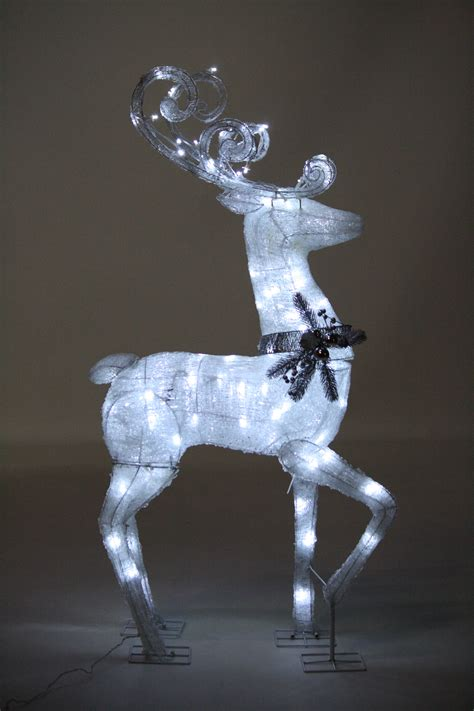 light up reindeer decorating
