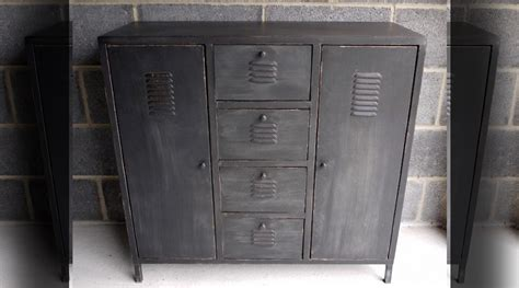 bureau style industriel en m騁al et bois armoire style industriel cuisine a regency style black and gilt japanned collector 25 best ideas about armoire maison du monde on