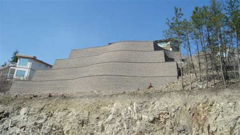 retaining wall on steep slope technical newsletter issue 11 retaining walls and steep slopes