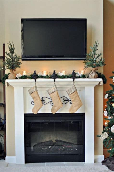 easy christmas mantels fireplaces christmas fireplace