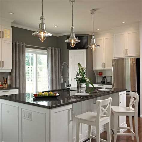 armoire de cuisine boucherville cuisines beauregard cuisine réalisation 260 îlot de