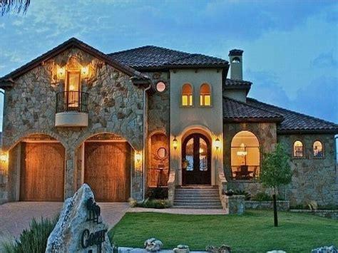 Unique Tuscan Style Homes Design