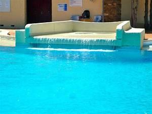 Piscine Avec Cascade : cascade piscine installez vous un espace jardin et ~ Premium-room.com Idées de Décoration