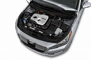 2016 Hyundai Sonata Plug