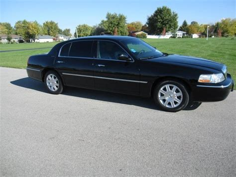 Limo Town Car Service by Town Car Service Airport Shuttles Joliet Il