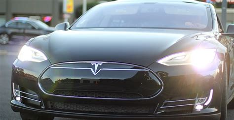 siege auto haut de gamme la tesla model s une voiture électrique haut de gamme