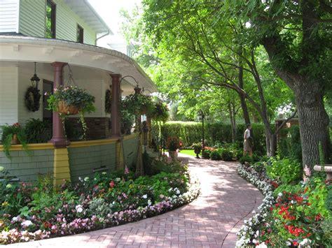house gardens   winter weary johanne yakula