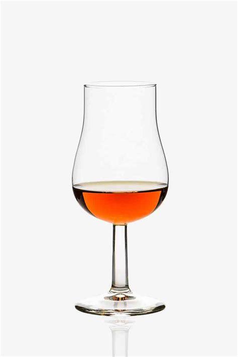 cognac cuisine verre tulipe cognac table de cuisine