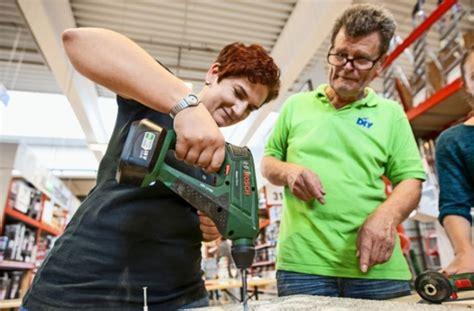 Heimwerkerkurse Für Frauen by Heimwerker Branche Frauen Erobern Die Baum 228 Rkte