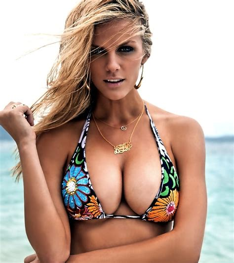 Brooklyn Decker Does She Or Doesn't She  Mount Rantmore