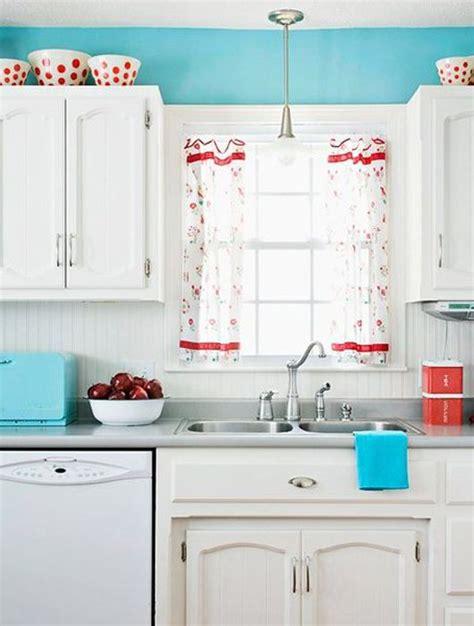 cuisine blanche et bleu cuisine bleu 25 idées déco cuisine bleue