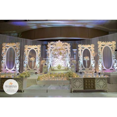 dekorasi pelaminan ukir karet modern terbaru wedding murah