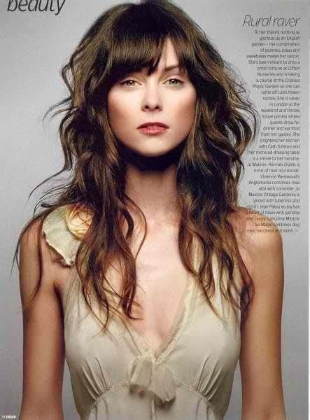 17 Best Long Hairstyles for Round Faces 2018 2019 On