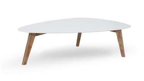 pied de canapé design table basse svartan blanche avec pieds bois clair