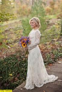 clarkson s wedding dress details on lovely lace gown - Clarkson Wedding Dress