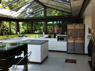 cuisine dans veranda la véranda dans votre cuisine lumières naturel ocre brun http m habitat fr veranda