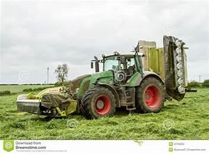 Fendt Traktor Preise : fendt gr nen traktor mit claas m hern auf dem silagegebiet ~ Kayakingforconservation.com Haus und Dekorationen