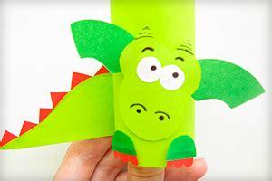 feuerdrache aus papier mit kindern basteln basteln mit kindern drachen basteln drachen und
