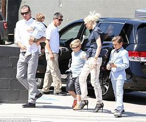 Gwen Stefani and Gavin Rossdale take sons out on Mother's ...