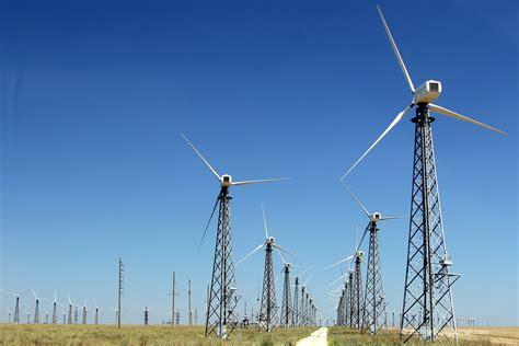 Путин запустил две электростанции в Крыму Картина дня
