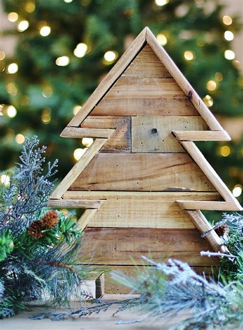 diy wooden christmas tree  recycled pallets