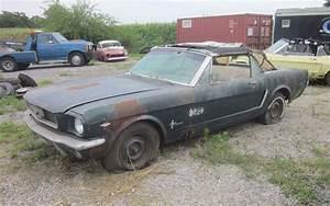 Early Rustang: 1964.5 Mustang Convertible!