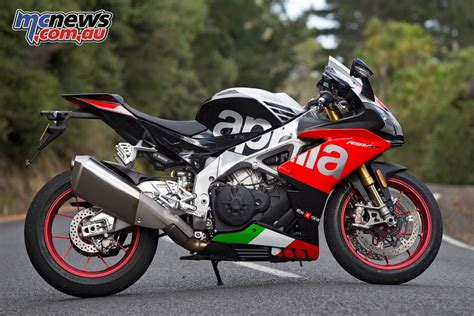 Modification Aprilia Rsv4 Rf by 2018 Aprilia Rsv4 Rf Factory Motorcycle Test Mcnews