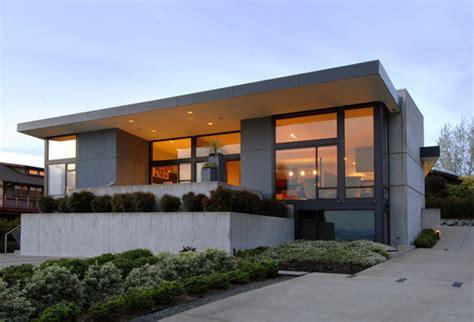 Simple Modern House With Charming Lighting Homescornercom