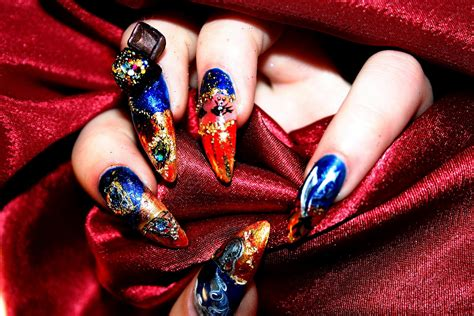 New Nail Art Designs With Special Techniques For Summer