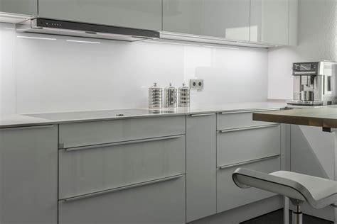 Futuristische Küche In Uform  Vidrostone Interieur