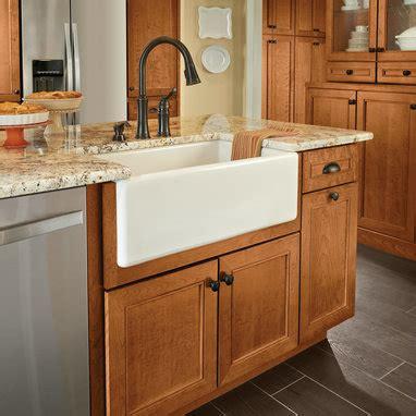 apron sink base cabinet apron front sink base kraftmaid