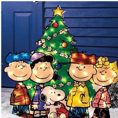 charlie brown peanuts gang christmas tree lighted outdoor